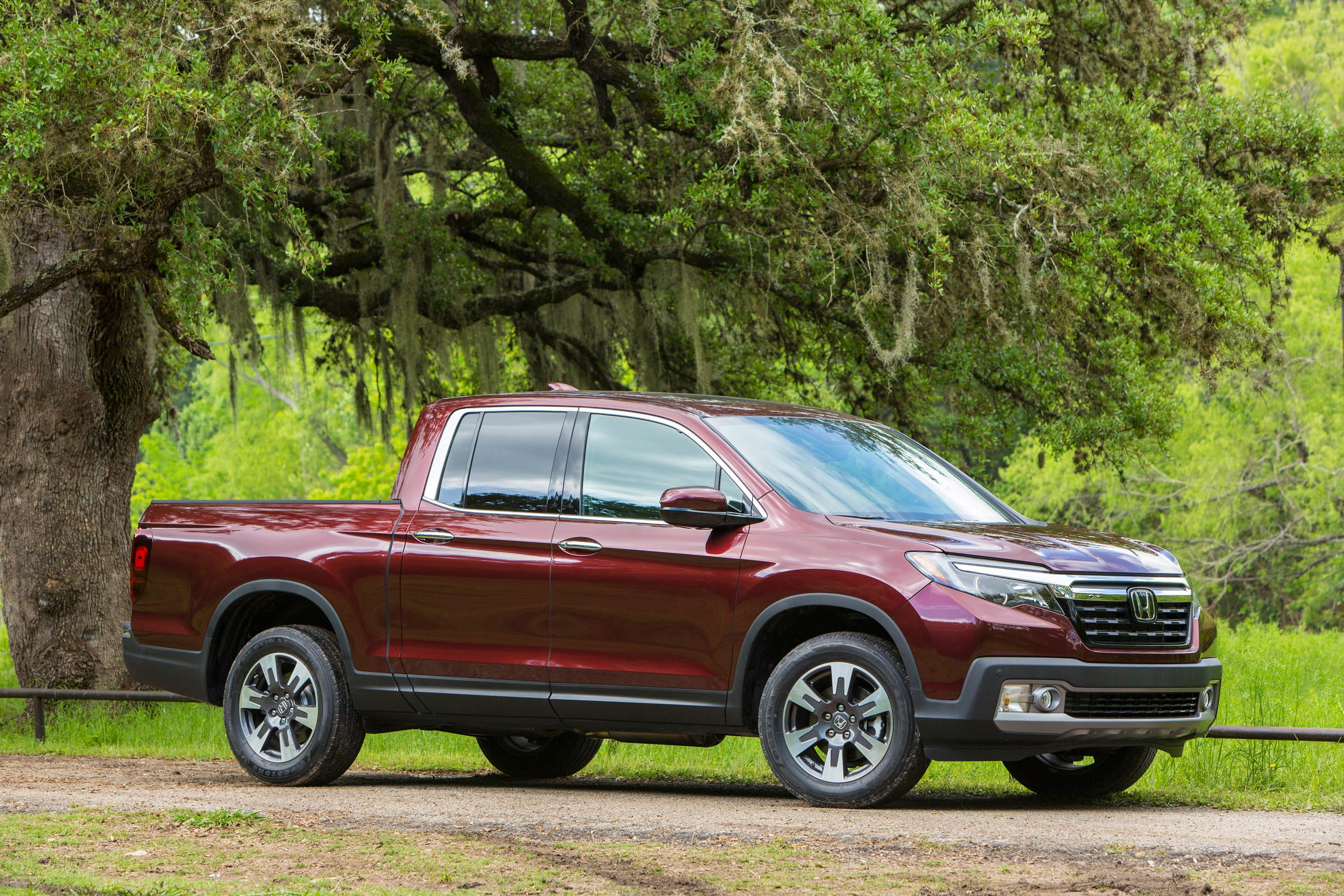 review honda s new ridgeline tries to reinvent the pickup again rh freep com